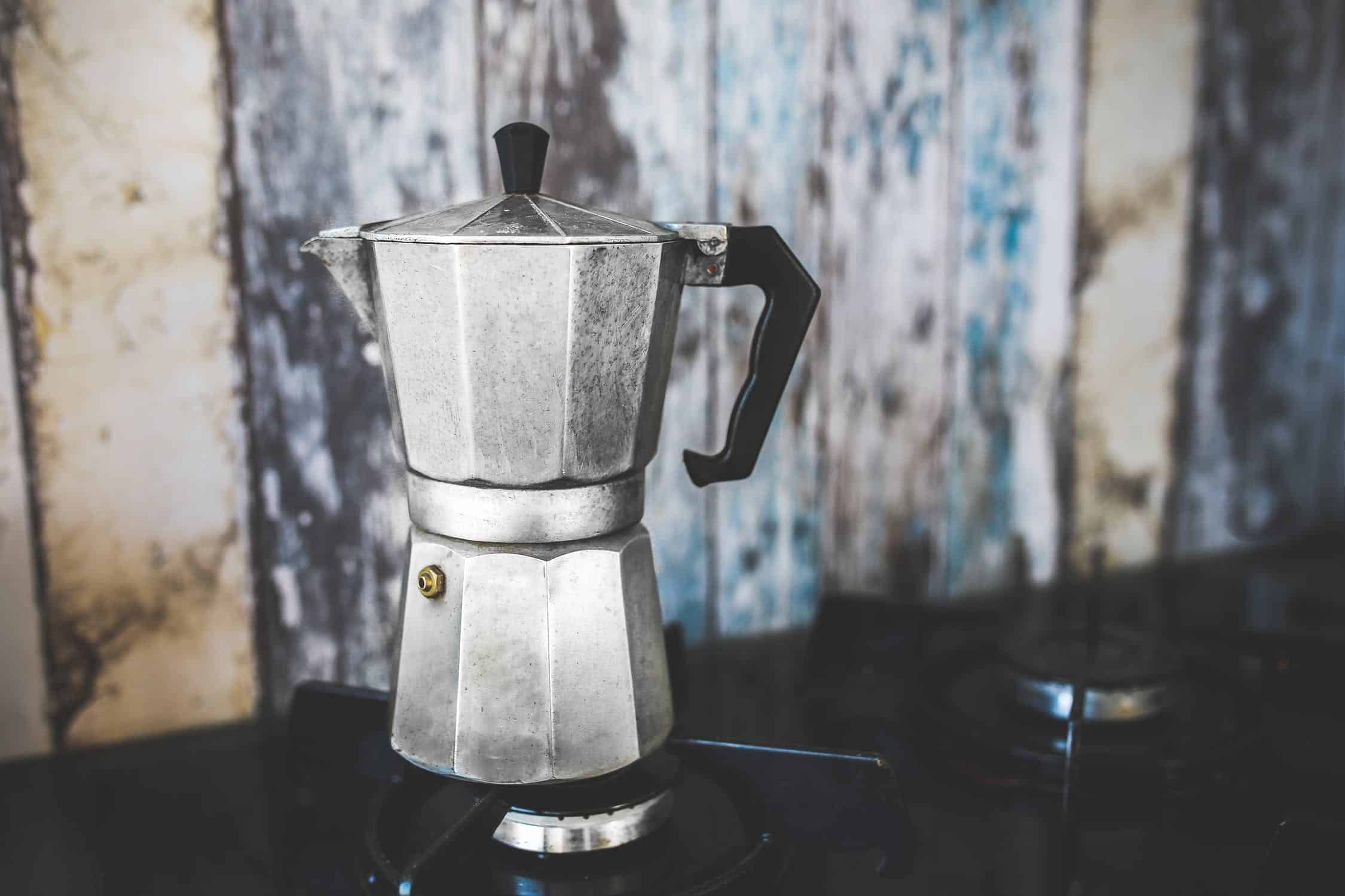 "India meets Italia – Cook a ""Chai latte"" at home with your Moka pot"
