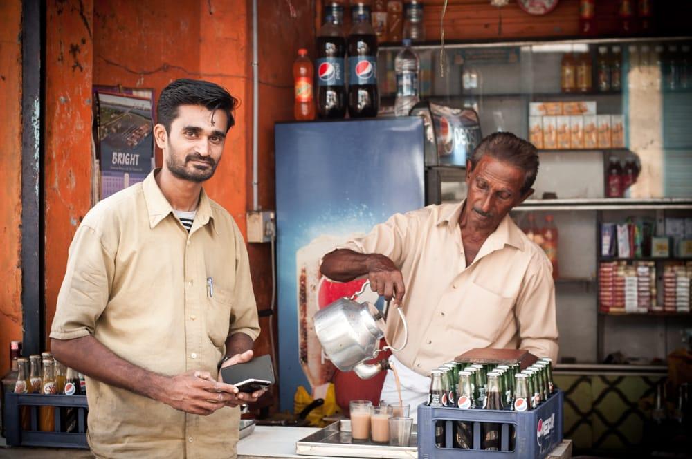 Chai Wallah in Cochin, Kerala, Indien